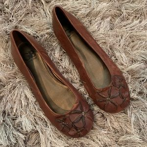 Gianni Bini Brown Rose Bud Ballet Flats